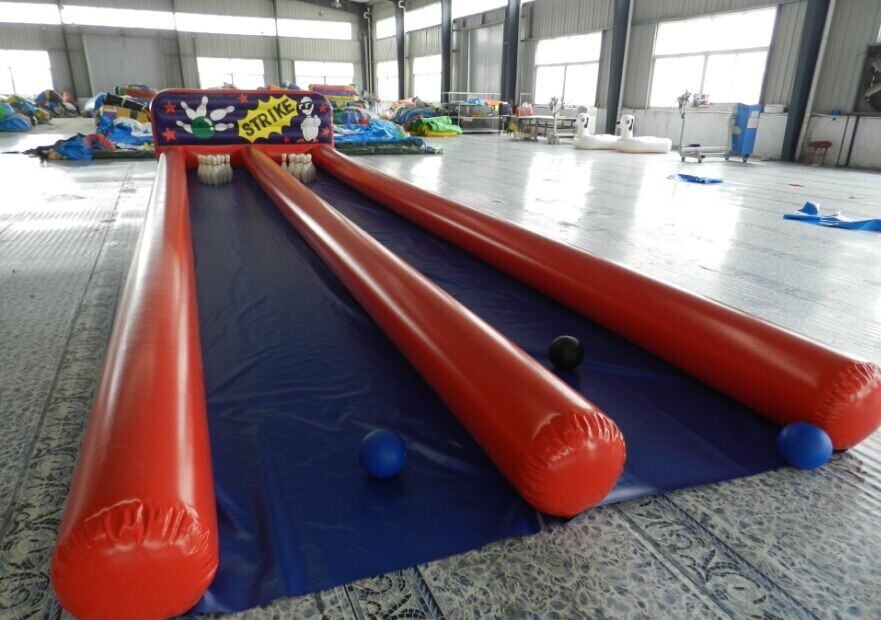 inflatable bowling game 10.6x3m_1